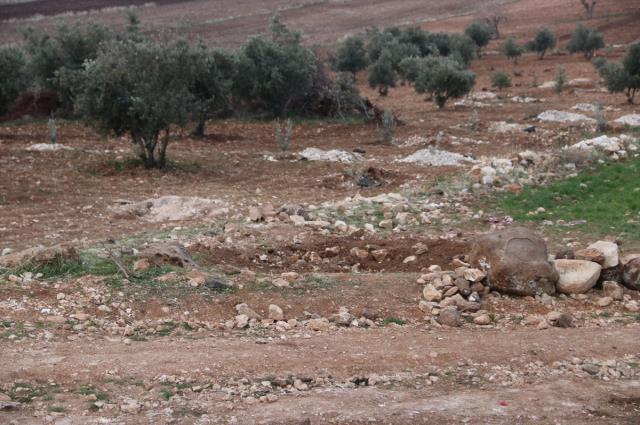 Göbeklitepe'de tarlasına metal blok yerleştirilen çiftçi: Bir helallik bile almadan ortadan kayboldular