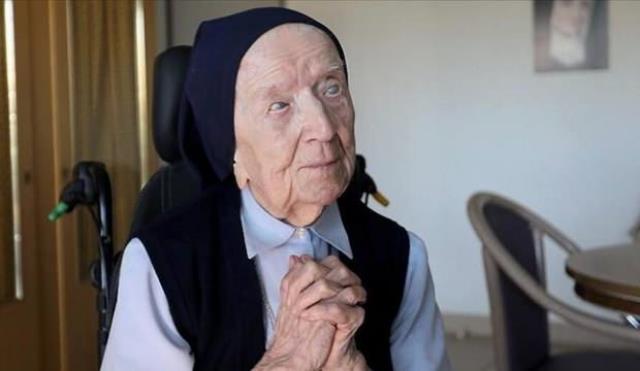 Avrupa'nın en yaşlı insanı, belirtisiz atlattığı koronavirüsle ölüme meydan okudu