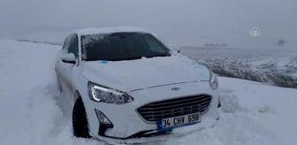 Kemalköy: Sınır kapılarına giden yollarda karla mücadele sürüyor