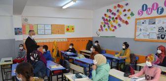 Hacı Akpınar: Son dakika haber | Elazığ'da köy okulları yüz yüze eğitime başladı, çocuklar badmintonla tanıştı