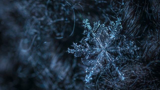 Kar yağarken gök gürültüsü olur mu? Kar yağarken neden şimşek çakar?
