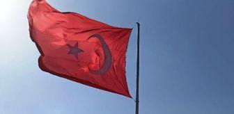 Yaşar Şahin: Gürgentepe'de 40 mahallenin görebileceği noktaya dev Türk bayrağı