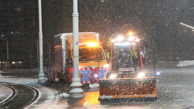 İstanbullular dikkat! Kar yağışı etkisini yeniden artırdı