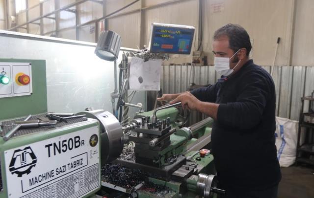 Babasının vefatıyla devraldığı şirketi büyüten genç girişimci, şimdi 19 ülkeye makine ihraç ediyor