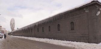 Sarıkamış: Kar yağışı ve soğuk hava etkili oluyor