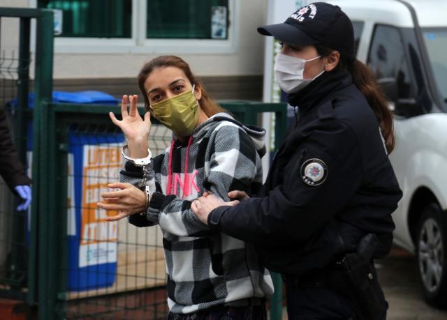Hırsızlık çetesine büyük operasyon! Hurcun içinden çıkıp polislere 'Bulmasaydınız olmaz mı?' dedi