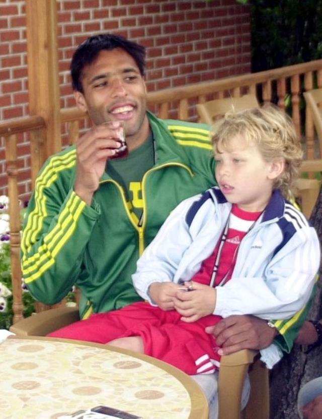 Eski F.Bahçeli van Hooijdonk'un oğlu Sydney, Beşiktaş'ın kapısından döndü