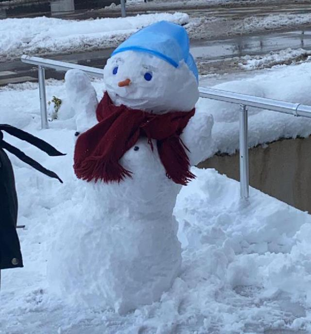 Kardan kadını kucaklayıp götürdüler