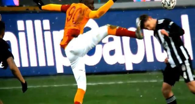 Share from Galatasaray with Diagne after the reacted position