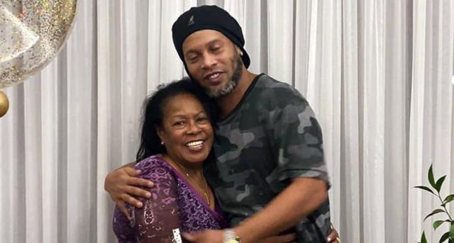 Ronaldinho'nun annesi Dona Miguelina, 71 yaşında koronavirüs nedeniyle hayatını kaybetti