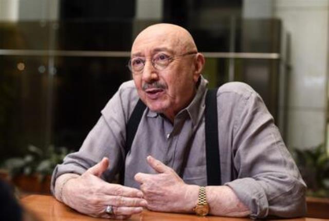 Şarkıcı Alpay'dan çok tartışılacak Zeki Müren sözleri: Türk Sanat Müziğini katletti