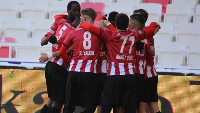 Spor Toto Süper Lig'in 26. haftasında Sivasspor, Kayserispor'u 2-0 yendi