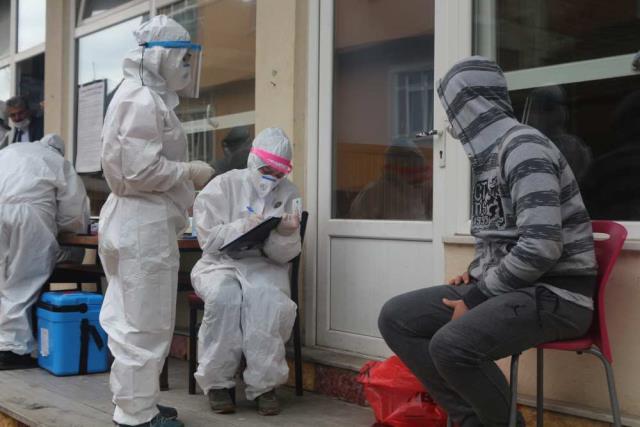 Vaka sayısı artışında ilk 5'te yer alan Samsun'daki yeni vakaların yüzde 50'sinde İngiliz mutant virüs tespit edildi