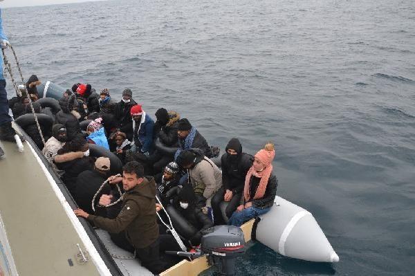 Balıkesir'de 31kaçak göçmen kurtarıldı