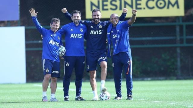 There are differences of opinion between Coach Erol Bulut and Sportive Director Emre Belözoğlu in Fenerbahçe