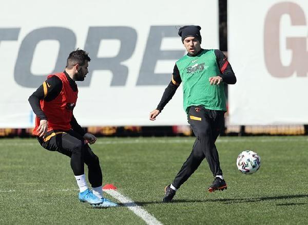 Galatasaray'da Feghouli'den iyi haber