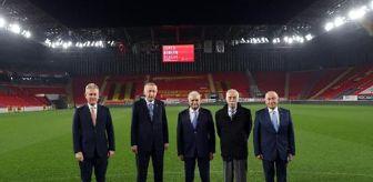Alpay Özalan: Son dakika haber: Göztepe'nin gurur günü