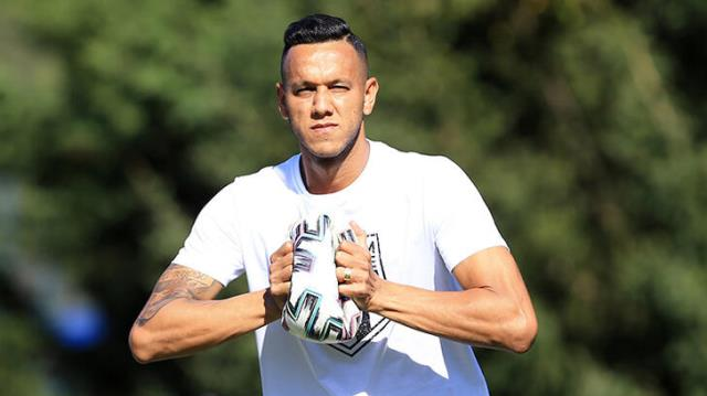Josef de Souza said he received offers from Galatasaray and Fenerbahçe at the beginning of the season.