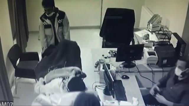 Aksaray'da felçli hastanın otobüsten indirilip gözaltına alındığı iddiası