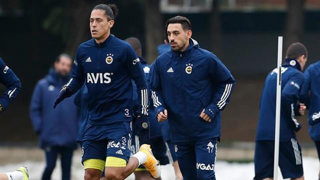 İrfan Can Kahveci worked with the team in part of the training in Fenerbahçe