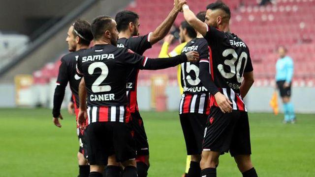 Samsunspor, sahasında Eskişehirspor'u 6-1 mağlup etti