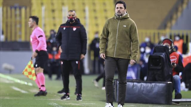 Fenerbahçe may part ways with Erol Bulut after a possible Trabzonspor defeat