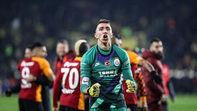 Muslera earthquake is happening in Galatasaray!  Manager did not accept new contract