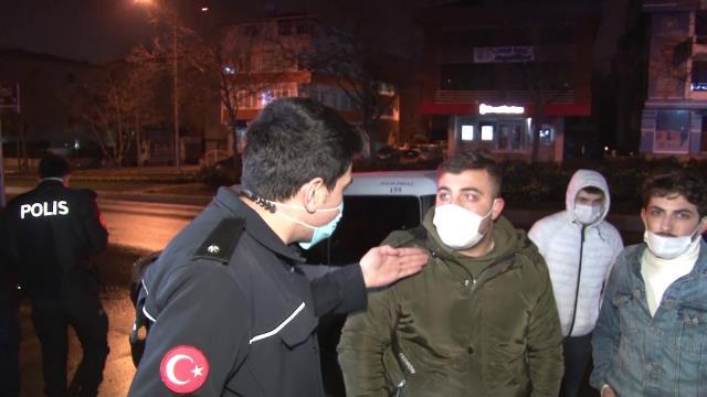 Kaza yapan alkollü gençler gazetecileri tehdit edip, polisleri kaskodan para almakla suçladı