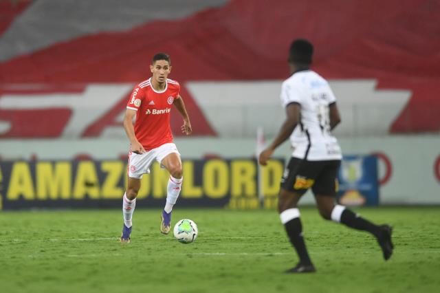 Internacional'in şampiyonluk için ihtiyacı olan tek gol, 90+6'da ofsayta takıldı ve şampiyon Flamengo oldu