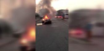 Hendek: Seyir halindeki otomobilde çıkan yangın söndürüldü