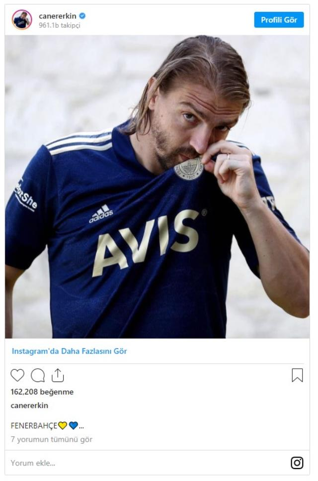 Caner Erkin, who was out of the squad in Fenerbahçe, received support from İrfan Can