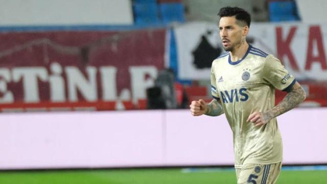 Jose Sosa applauded for his performance against Trabzonspor