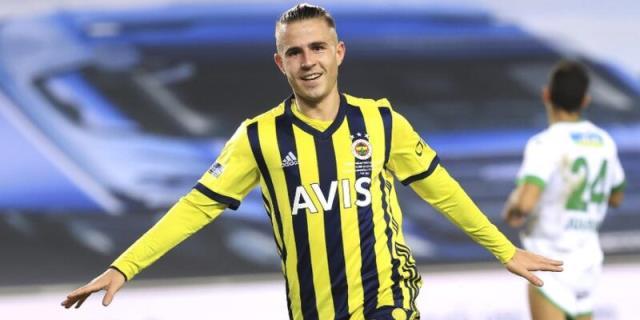 Fenerbahçe's Greek star Dimitrios Pelkas was sued by Rubin Kazan