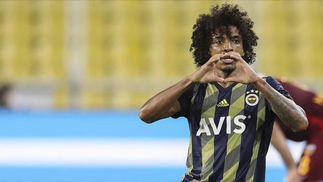 Luiz Gustavo sharing of Fenerbahçe social media account received thousands of likes