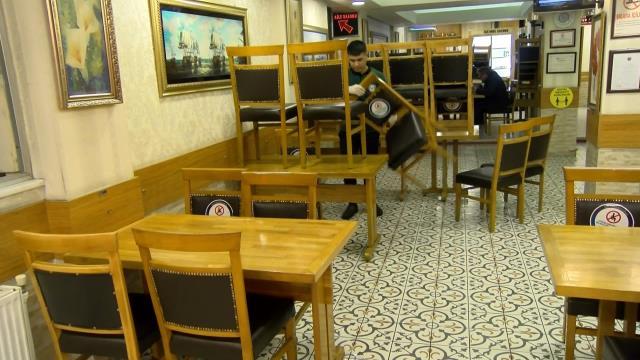 Esnaf 5 aydır bugünü bekliyordu! Normalleşmeyle yeniden açılan kafe ve restoranlar hazırlıklara geceden başladı
