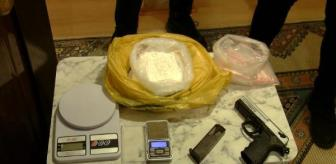 Fatih Sultan Mehmet Mahallesi: Son dakika haber | İstanbul'da uyuşturucu operasyonu: 1 kilo kokain ele geçirildi