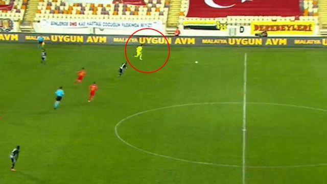 The attack of Ertaç Özbir in the Beşiktaş match was the agenda of the Spanish press