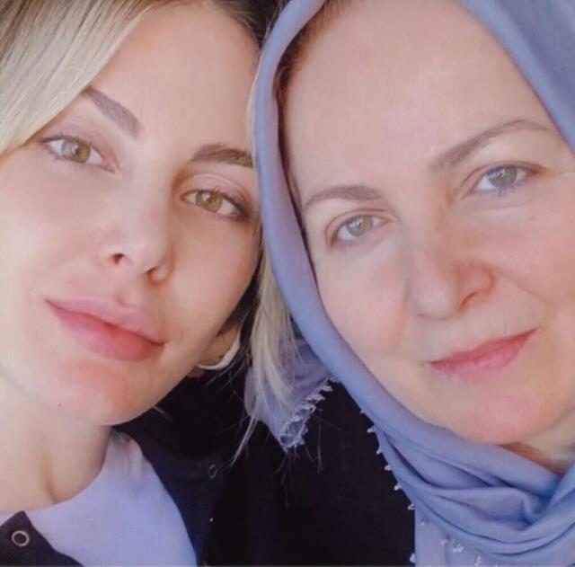 Oryantal dans videosuyla işinden olan Hande Sarıoğlu'ndan anneli paylaşım