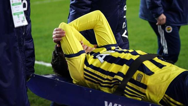 Mesut Özil, who was injured in the Antalyaspor match, is expected to stay away from the fields for 1 month.