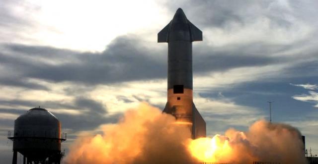 Elon Musk'ın onlarca kişinin Mars'a gidişi için kullanmayı planladığı uzay aracı infilak etti