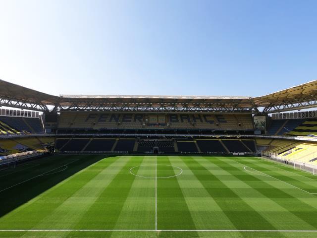 Göztepe maçı sonrası Ülker Stadı'nın zemini tamamen düzeldi