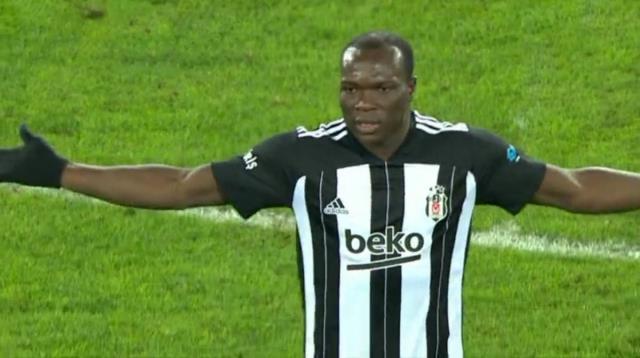 Malatya maçında oyundan alınmasına tepki gösteren Aboubakar, Sergen Yalçın'dan özür diledi