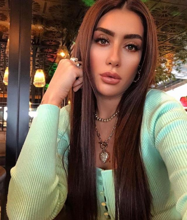 Nil Karataş kimdir? Nil Karataş hayatı ve biyografisi! Nil Karataş kaç yaşında, nereli? Nil Karataş Instagram hesabı ne?