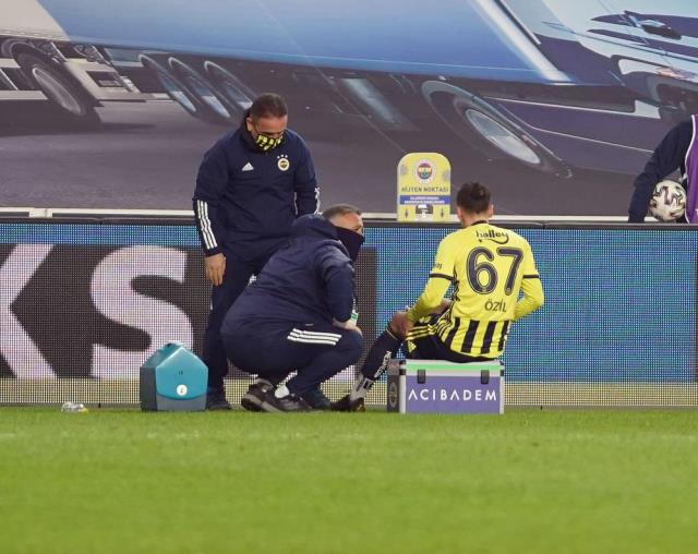 The first statement from Mesut Özil, who was injured in the Antalyaspor match: I will do my best to return as soon as possible.