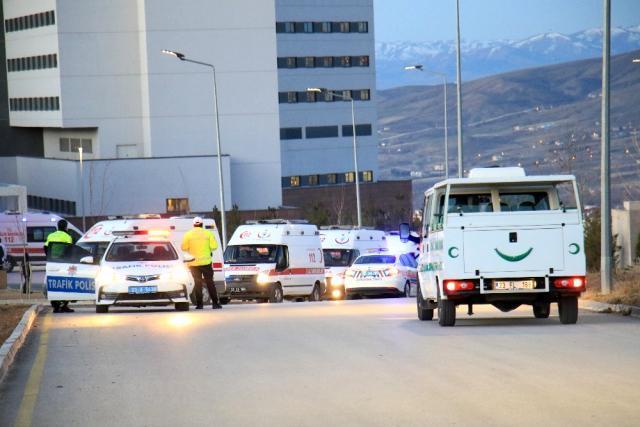 Bitlis'teki helikopter kazasında şehit olan 11 askerimizin naaşı Elazığ'a getirildi