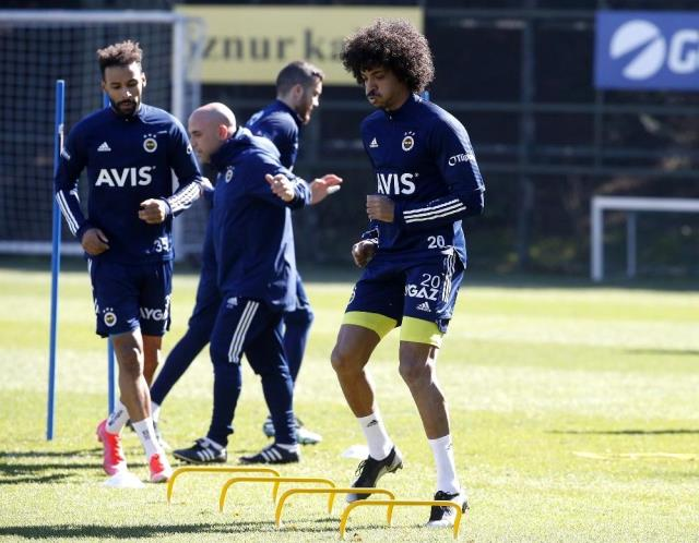 Luiz Gustavo, who survived his injury in Fenerbahçe, started working with the team
