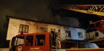 Anbar: İş yerinin yanan çatısı itfaiye ekiplerini harekete geçirdi