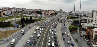 E 5: İstanbullu 'Evde Kal'madı, trafik durma noktasına geldi