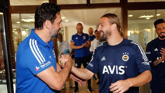 Caner Erkin, who was out of the squad, apologized by calling coach Erol Bulut