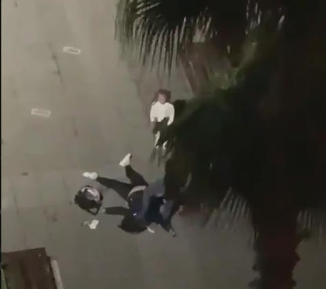 Samsun'da bir kadın sokak ortasında kocası tarafından öldüresiye dövüldü